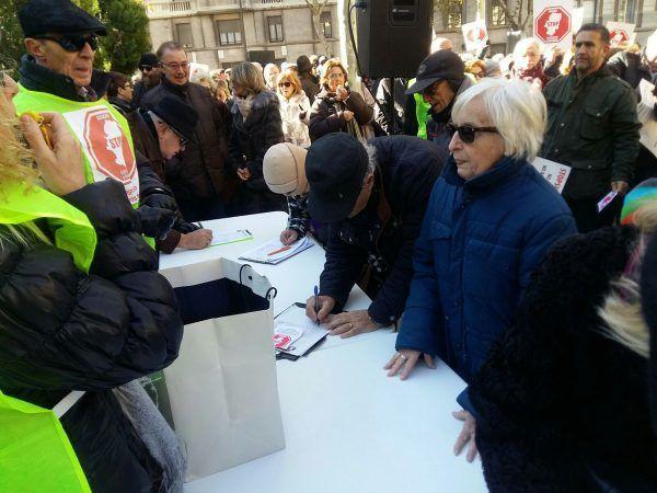 Recogida de firmas Aragón Stop Sucesiones y Plusvalía